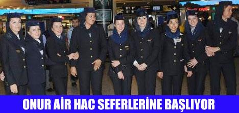 HOSTESLER HAC KIYAFETİ GİYDİ