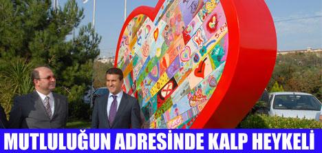 ŞİŞLİ'YE KALP HEYKELİ