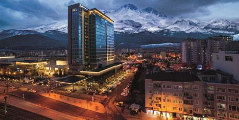Radisson Blu Hotel 55 yaş üzeri misafirlerini de unutmadı