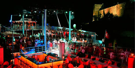 Club Catamaran Bodrum'u Sallayacak!!!