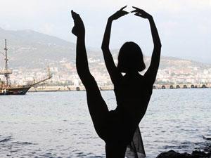 Rusya'nın 17 yaşındaki fenomen balerini Maria Khoreva, Alanya'nın tanıtımına katkı sağladı