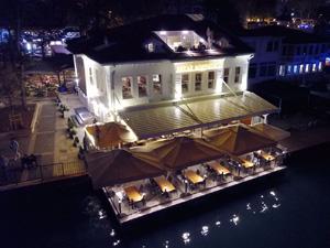 Beyaz Bosphorus, İstanbul Anadolu yakasının cazibe merkezi haline gelen Çengelköy'de