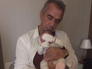 Erhan Yazıcıoğlu 50. Sanat Yılını Kutluyor