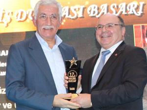 Yılın İnovasyon lideri Uyumsoft, memleketinden takdir ödülü aldı