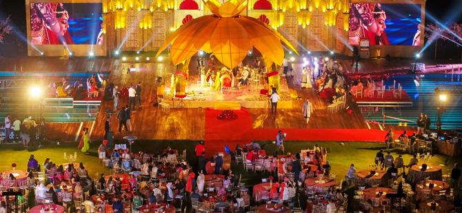 Hintliler Antalya'da milyon dolarlık düğünler gerçekleştiriyor