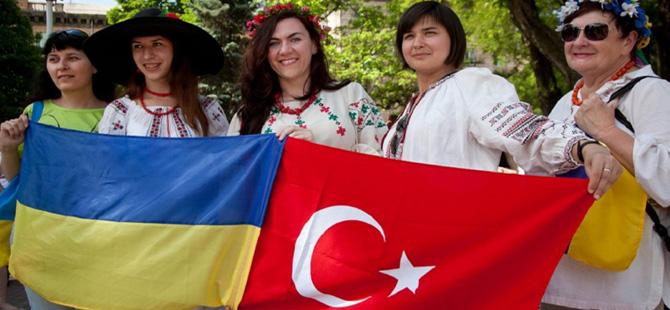 Ukrayna ile vizesiz geçiş meyvelerini veriyor