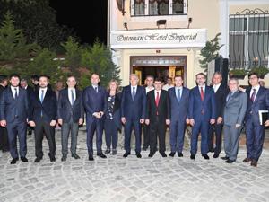 İstanbul'un önde gelen resmi protokolü ve turizm sektörü temsilcileri, Osmanlı Saray Mutfağı'nın lezzetli yemeklerini Matbah Restaurant'ta tattılar