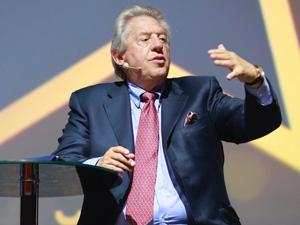 Liderlik konusunda 20 milyondan fazla kitabı satılan John C. Maxwell Konuştu