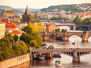 Euro'daki yükseliş yurtdışı seyahati yapmak isteyenleri zor durumda bırakıyor