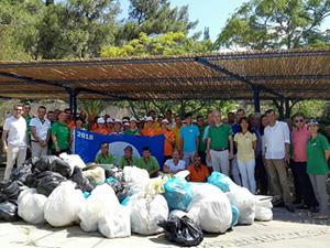 """Çevreye duyarlı """"Green Team ekibi"""" bölgede atık temizliği gerçekleştirdi"""