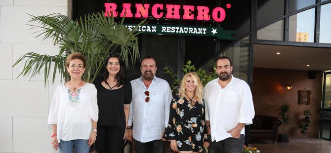 Ranchero'nun Ataşehir Watergarden açılışında ünlü isimler de Meksika lezzetlerini deneyimledi