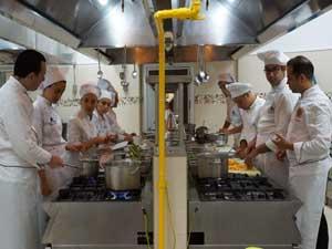 Yeditepe Gastronomi Öğrencileri, dünyanın farklı ülkelerine yaz stajına giidiyor