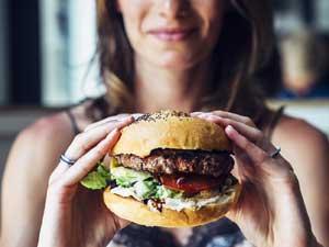 Gurmeden klasiğe şehrin en leziz burgerlerinin peşine düşün paha biçilemez bir burger avı