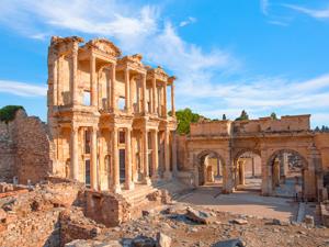 Prontotour, seyahatseverleri Anadolu'da felsefi bilgeliğin doğduğu topraklarda keşfe çıkarıyor