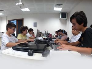 Çocuklar; kendi filmlerini, oyunlarını ve yapay zeka robotlarını yapacaklar