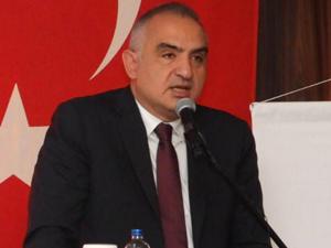 TC Kültür ve Turizm Bakanı Mehmet Nuri Ersoy, Turizm Otel Yöneticileri Derneği (TUROYD) tarafından İstanbul'da düzenlenen gala yemeğine katıldı
