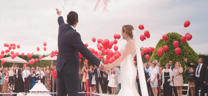 En Çok Teknede Evlilik Teklif Ediyoruz