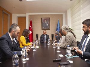 Turizm Yazarları Derneği'nin (TUYED) yeni yönetimi, Kültür ve Turizm Bakanı Mehmet Nuri Ersoy'u ziyaret etti