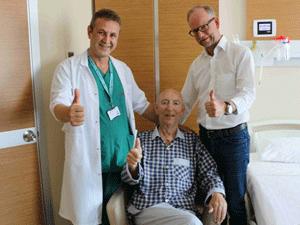 Antalya tatilinde kalp krizi geçiren Alman siyasetçi kendisini Türk doktorlara emanet etti