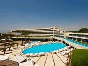 Antalya Belek Akdeniz Bölgesi'nde bulunan pek çok tatil beldesinden bir özelliği ile ayrılıyor