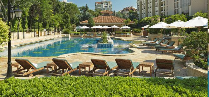 Grand Hyatt Istanbul'un havuzunda güne keyifle başlayın