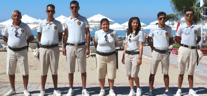 Yerli ve yabancı misafirlerin plajlarda daha huzurlu olabilmeleri için çalışmalarını sürdürüyor