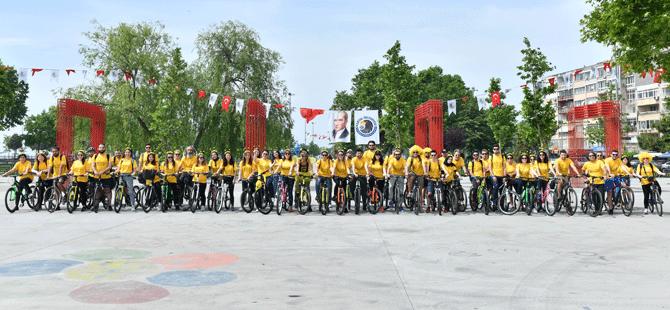 """TEMA Vakfı """"Arılar Varsa Yarınlar Var"""" projesine dikkat çekmek için bisiklet turu düzenledi"""