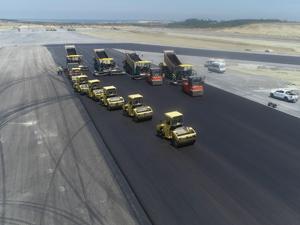 İstanbul Havalimanı'nın 3. Pist Hazırlıkları Tüm Hızıyla Sürüyor