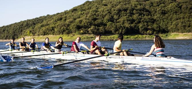 Boğaziçi Üniversitesi, Kürek Takımının yeni bir kategoride daha yarışmasını sağlayacak tekneyi kayıkhanesine kattı