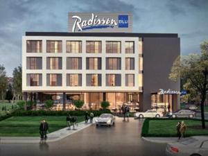 Radisson Blu, Sakarya'daki ilk oteli için imza atarak Türkiye'de çığır açıyor