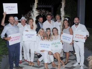 Wish More Hotel İstanbul, etkinlik alanında düzenlediği White Night Partisi ile yaza veda edip, yeni sezonu karşıladı