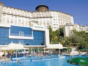 Ladonia otel hem yerli hem yabancı turist ağırlaması ile ön plana çıktı