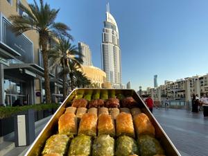 Efsanevi lezzetleri Dubai Mall'da açılan mağazasıyla Türkiye dışına taşıyan Hafız Mustafa, Osmanlı'nın meşhur lezzetleri ile dünyayı tatlandıracak!