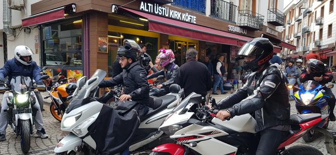 Moto kuryelerin ve motorsiklet kullanıcılarının sorunlarına dikkat çekildi