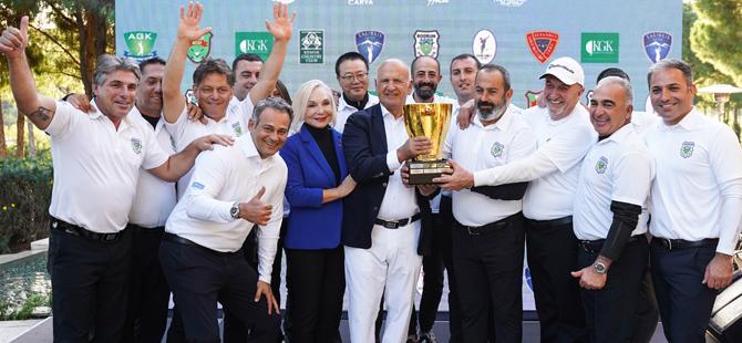 6.düzenlenen Fikret Öztürk Kulüplerarası Golf Turnuvası'nın kazananları belli oldu