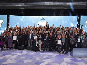 """İş dünyası, Raffles İstanbul'da düzenlenen görkemli törenle """"Yılın İtibarlısı"""" ödülüne kavuştu"""