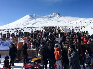 Erciyes hafta sonu Türkiye'nin dört bir yanındaki 53 vilayetten gelen 90 bin ziyaretçiyi ağırladı