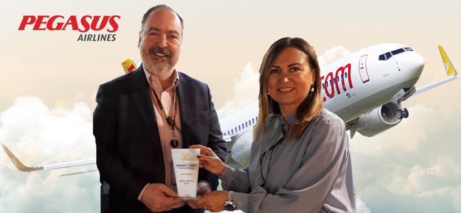 """Pegasus Hava Yolları Genel Müdürü Mehmet T. Nane Perapost tarafından """"Yılın CEO'su"""" seçildi"""