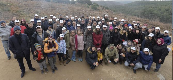 İDO, Arnavutköy'de buluşan çalışanlar ve aileleri hep birlikte 2000 fidan dikti