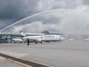 SunExpress'ten ilk uçuşlara özel su takı