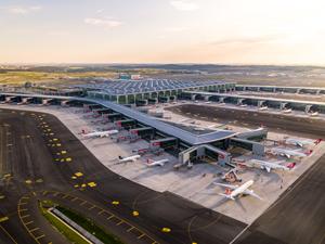 İstanbul Havalimanı'nın 3. bağımsız pisti açıldı