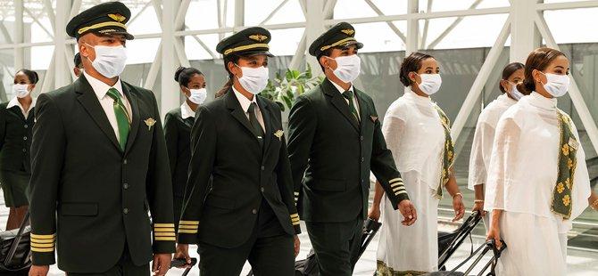 Etiyopya Havayolları, tamamen aşılanmış uçuş ekibiyle uçuşlarına başladı