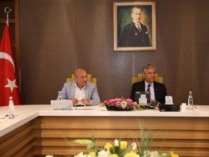 İzmir Büyükşehir Belediye Başkanı Tunç Soyer, TÜRSAB'ı ziyaret etti