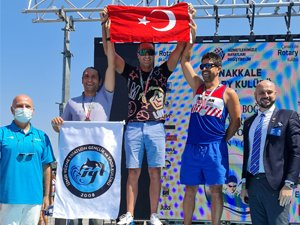 Çanakkale Boğazı Yüzme Yarışması 34'üncü Kez Kıtaları Birleştirdi