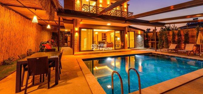 Kusursuz Bir Tatil için Muhafazakar Villa Seçeneğini Değerlendirin!