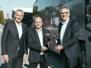 NEOPLAN Cityliner; 50'nci yılını '2022 Yılının Seyahat Otobüsü' ödülü ile kutluyor