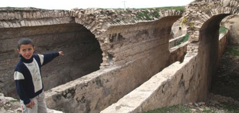 Tarihi mezarlar Mardin turizmi için önemli