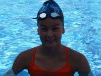 Genç yüzücü 500 kişi arasında 2. oldu