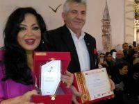 Türkan Şoray'a ödüle layık görüldü