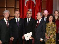 "Ahmet Barut'a ""Devlet Onur Nişanı"" verildi"